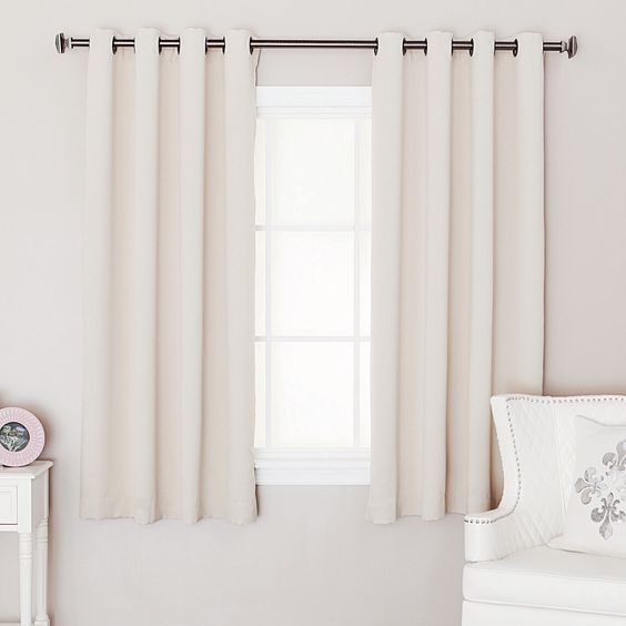 What Is The Best Length For Your Bedroom Curtain Best