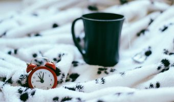 bed-sheet-best blanket-room-interior