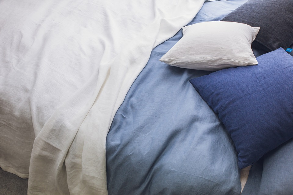 Duvet cover with three pillows